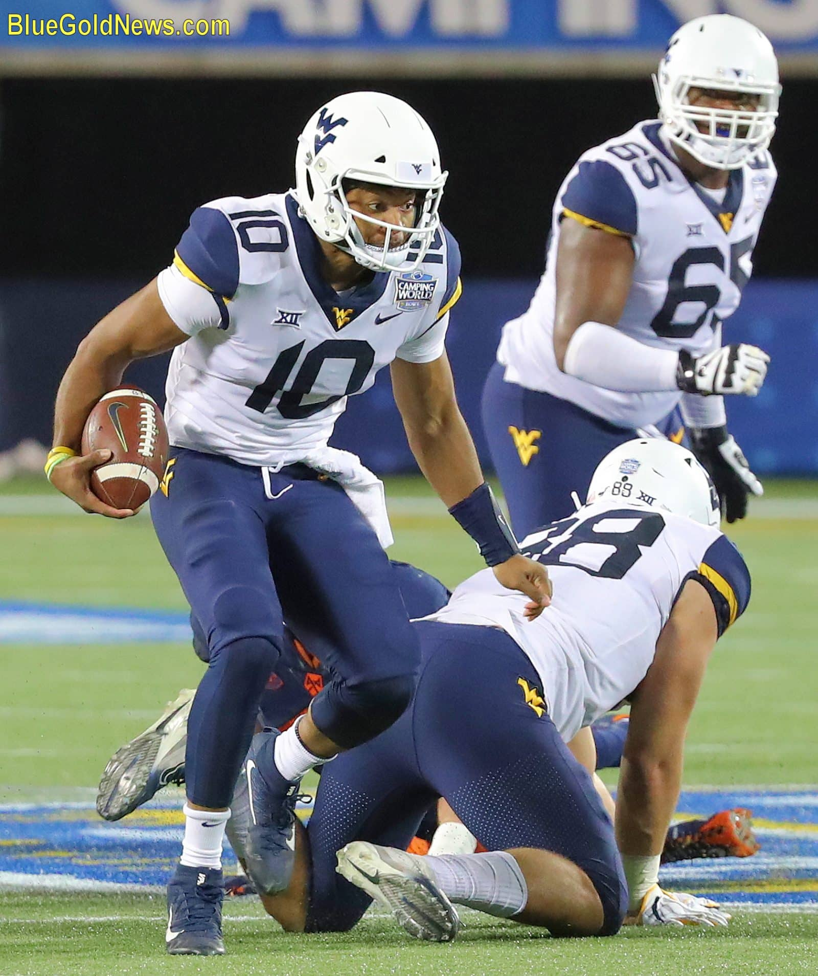 Qb Battle On Tap For Wvu Wvu West Virginia Mountaineers Sports